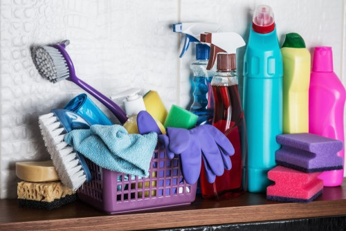 common-tools-for-cleaning-home