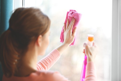 How to Clean Curtains without Dismantling?