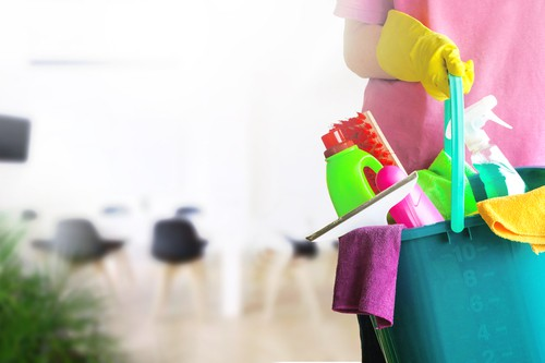 Who Should Pay For The End Of Rental Cleaning Service?